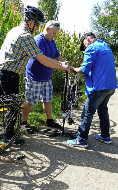 Hatte ein Radler einen platten Reifen,...nisatoren für schnelle Hilfe gesorgt.   | Foto: Bachmann-Goronzy