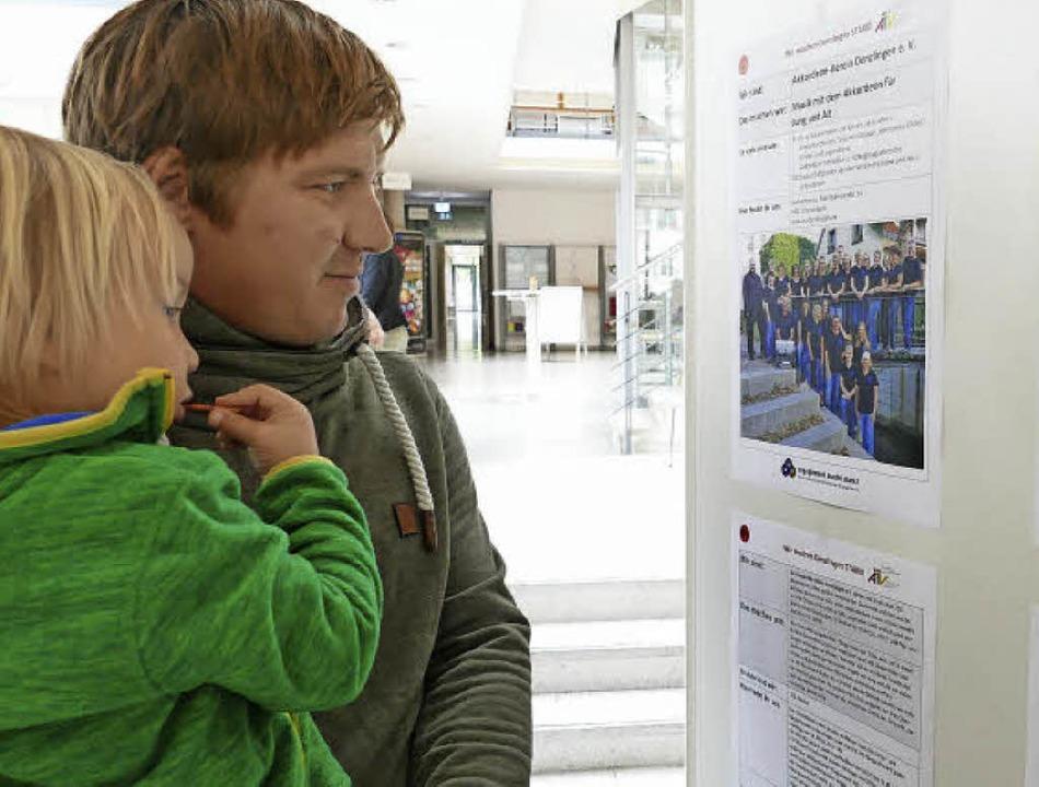 Lena Hartmann-Kist eröffnet die Ehrena...gement in der Gemeinde machen können.     Foto: Max Schuler