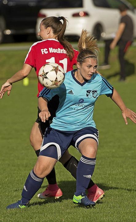 Sechs Tore, keine Siegerinnen in der V...gegen Samira Schönstedt (FC Hochrhein)  | Foto: vfma