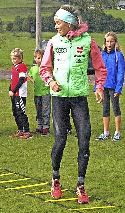 Ein einmaliges Trockentraining konnte ... bei Ski-Ass Steffi Böhler absolvieren  | Foto: Karin Stöckl-Steinebrunner