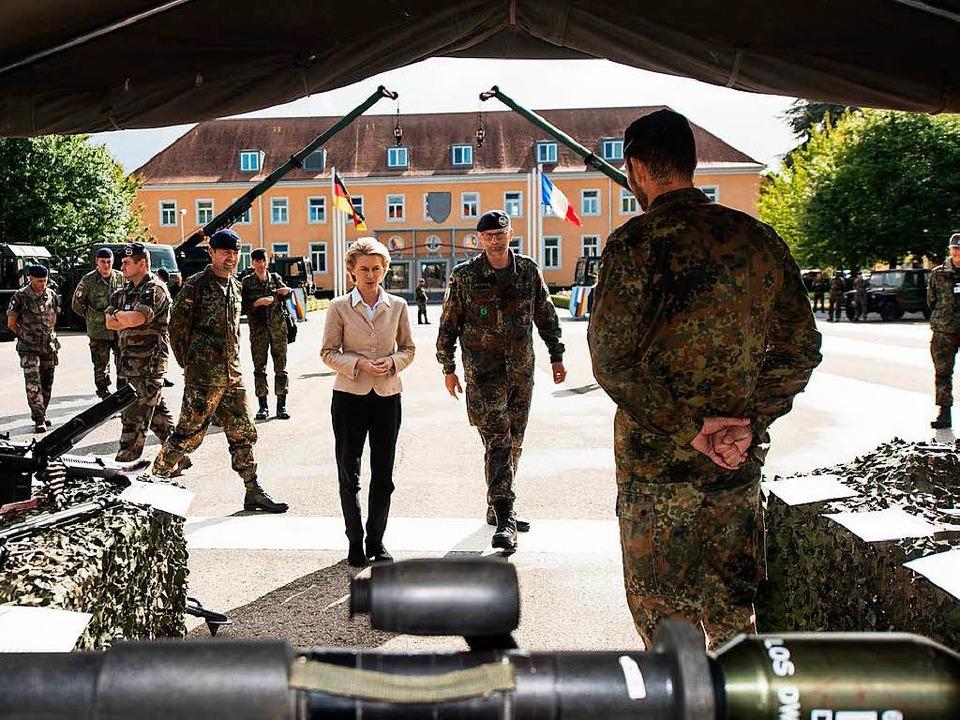 Verteidigungsministerin Ursula von der Leyen in Müllheim     Foto: dpa