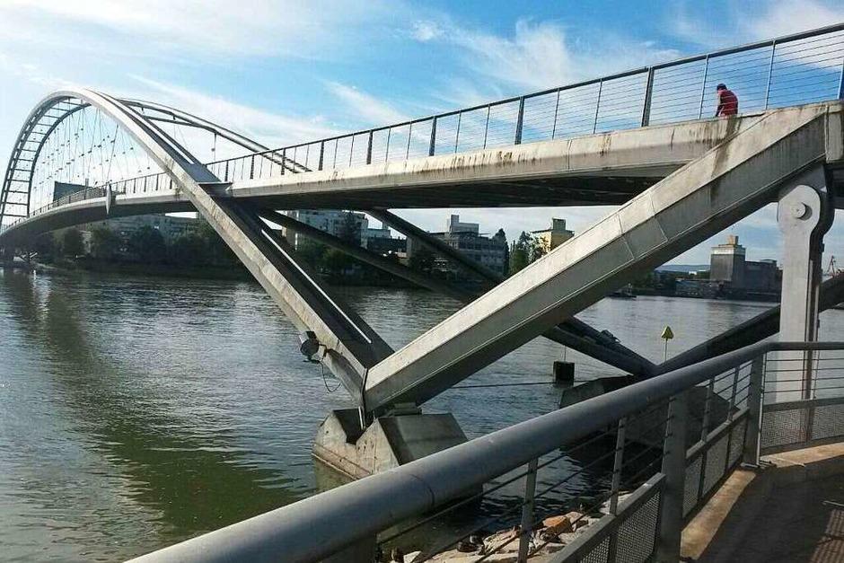 Eine Brücke verbindet (Weil am Rhein) (Foto: Hans Hauser)