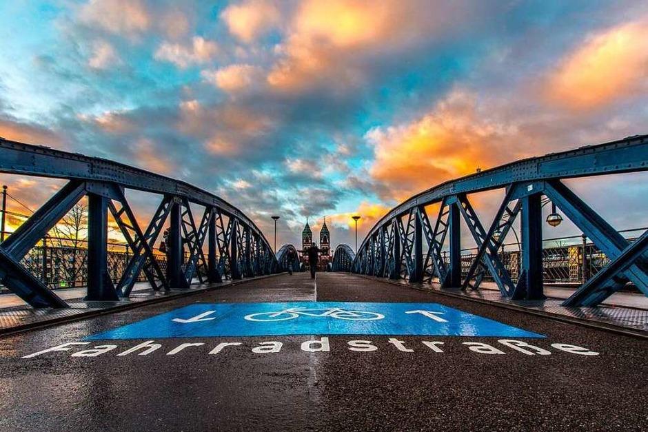 Blaue Brücke (Freiburg) (Foto: Michael Burger)