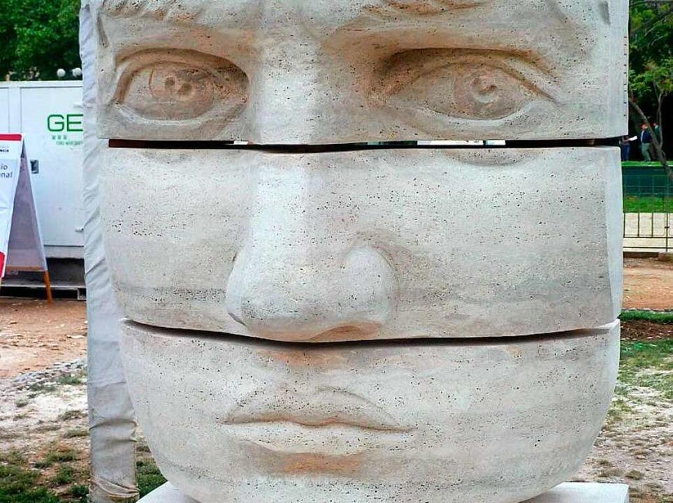 Diese Skulptur von ihr steht in Santiago de Chile.  | Foto: privat