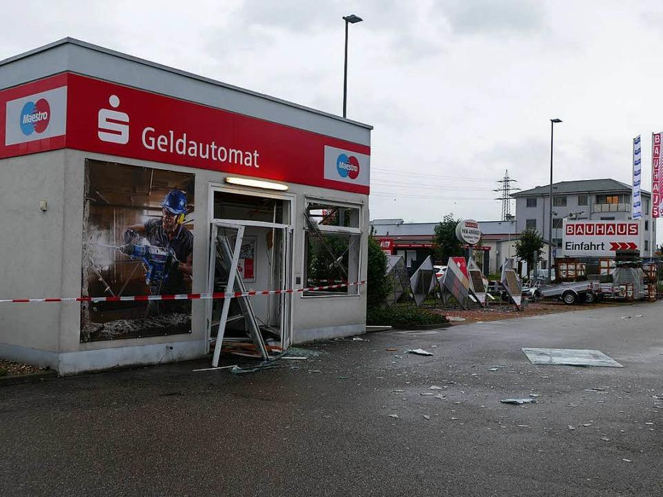 Der Pavillon der Sparkasse Offenburg/O...Baumarkts in der HeinrichHertz-Straße.