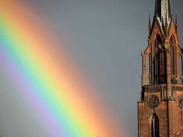 Regenbogen bei der Köndringer Kirche (Köndringen)