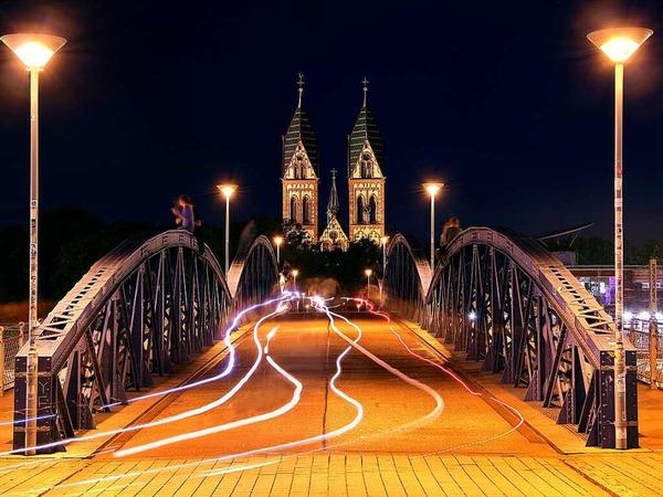 Symmetrien Wiwilibrücke (Freiburg)