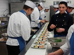 Was dahinter steckt – 2-Sterne Koch Peter Hagen-Wiest gewährt Einblicke in die Küche