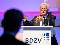 """Kretschmann: """"Zeitung entscheidend für Demokratie"""""""