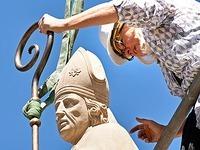 10.000 Euro teures Wappen der Lambertussäule gestohlen