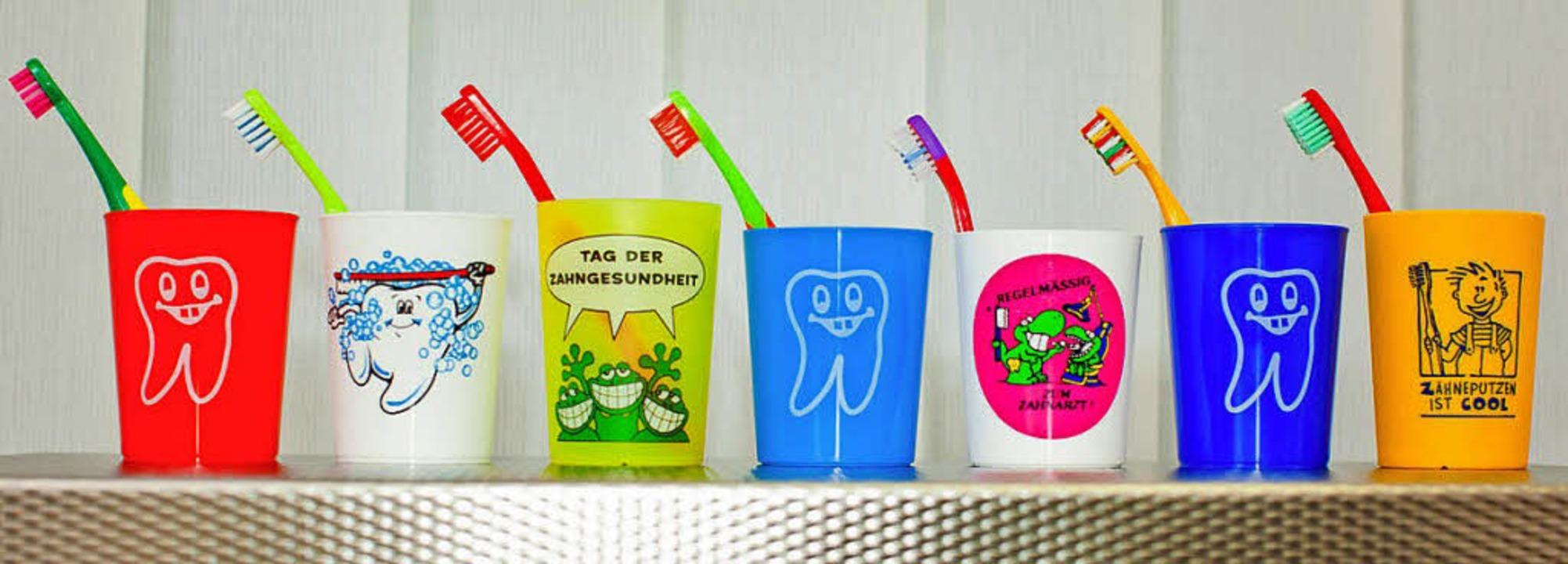 Klar, Zähne putzen ist auch bei Kleink...n aber schon die Jüngsten Zahnersatz.   | Foto: pro dente