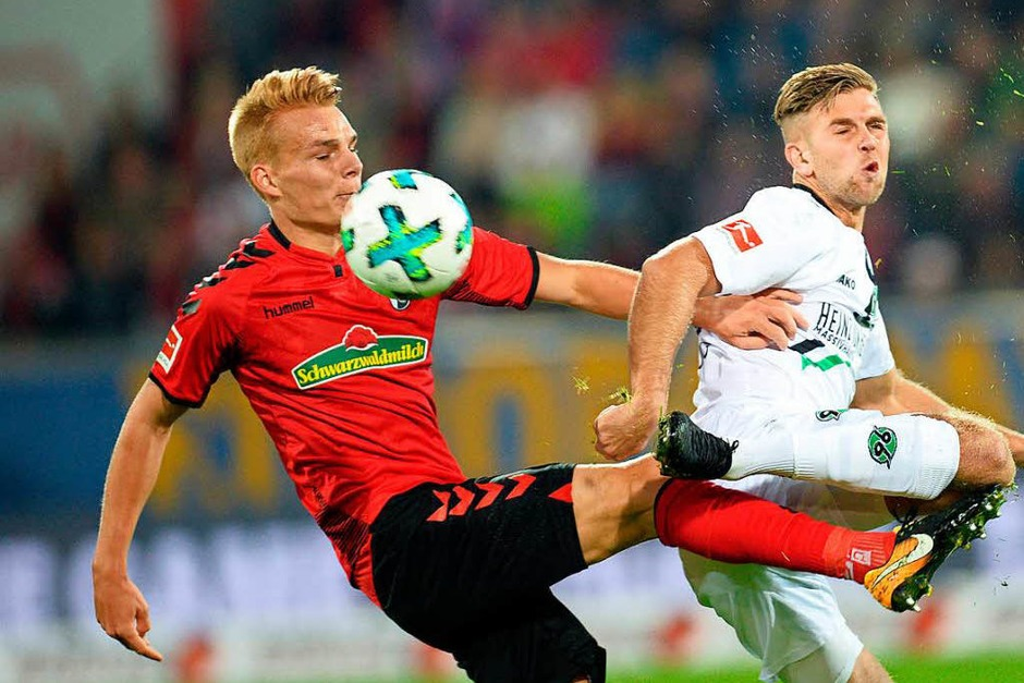 Ein wenig selbst im Weg gestanden: Der SC Freiburg verpasst einen Heimsieg und die damit verbundenen drei Punkte. (Foto: dpa)