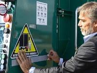 Freiburg beklebt Busse und Laster, um Radler zu schützen