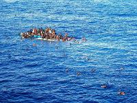 Mehr als hundert Flüchtlinge vor Libyens Küste vermisst