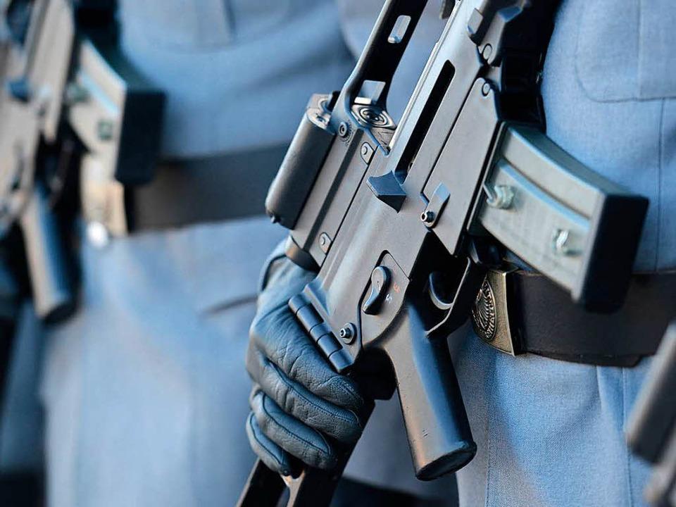 Das G36 der Bundeswehr ist eines der b...testen Produkte von Heckler und Koch.   | Foto: dpa