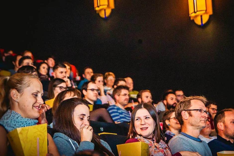 """fudders """"Club der Freunde"""" veranstaltete die dritte Freiburger Filmnacht im Cinemaxx. Gezeigt wurde der Film """"Weit."""" von Gwen Weisser und Patrick Allgeier. Die beiden waren bei der Vorführung dabei und beantworteten Fragen. (Foto: Julia Klaus)"""