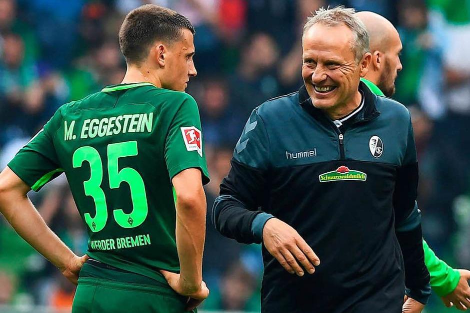 SC-Trainer Christian Streich hat gut zu lachen: Der Sportclub gewinnt einen Punkt. (Foto: dpa)
