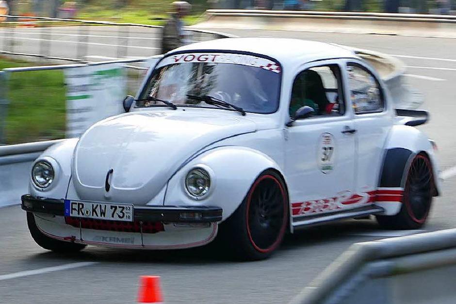 Der VW-Käfer, Symbol des deutschen Wirtschaftswunders, gab es auch in der sportlichen Variante: Karl Wiesler aus Staufen. (Foto: Hrvoje Miloslavic)