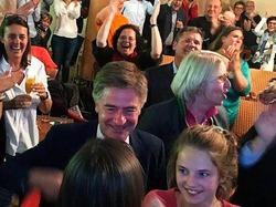 Von Marschall holt Zittersieg: Die Wahlnacht in Freiburg