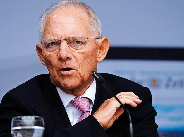 Wolfgang Schäuble (CDU ) hat mit 48,1 Prozent (-8,0  Prozent) das Direktmandat im Wahlkreis Offenburg gewonnen. Elvira Drobinski-Weiß (SPD) schafft es diesmal nicht über die Landesliste.