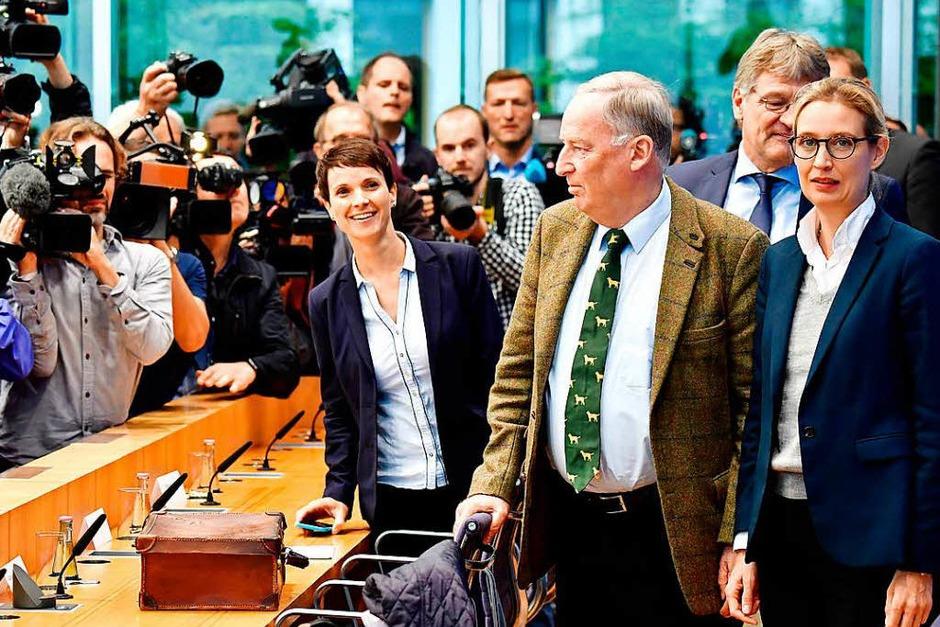 Vor der Pressekonferenz am Montagmorgen scheint noch alles in Ordnung. (Foto: AFP)