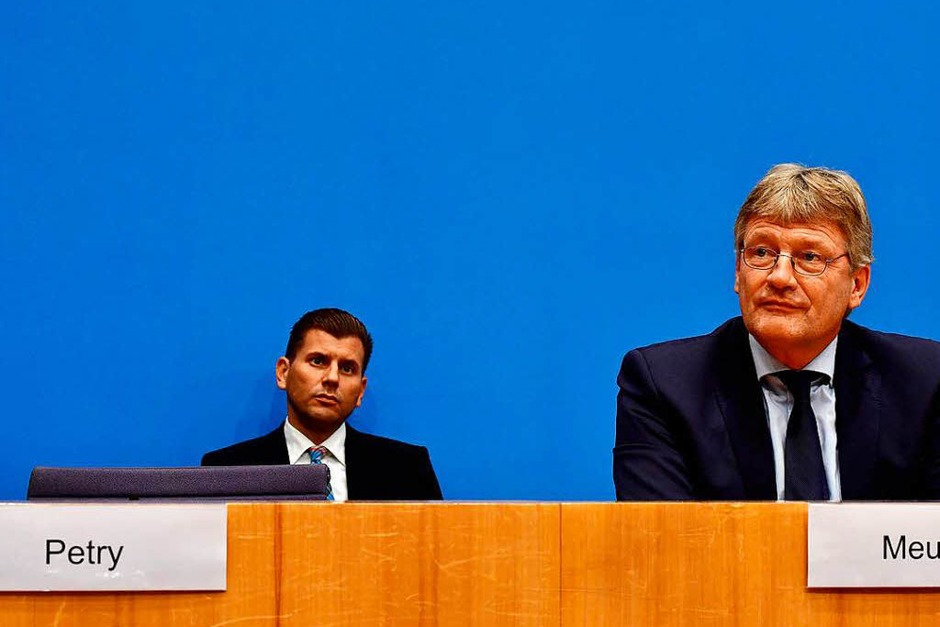 """""""Passiert das wirklich?"""", scheint sein Blick sagen zu wollen. (Foto: AFP)"""