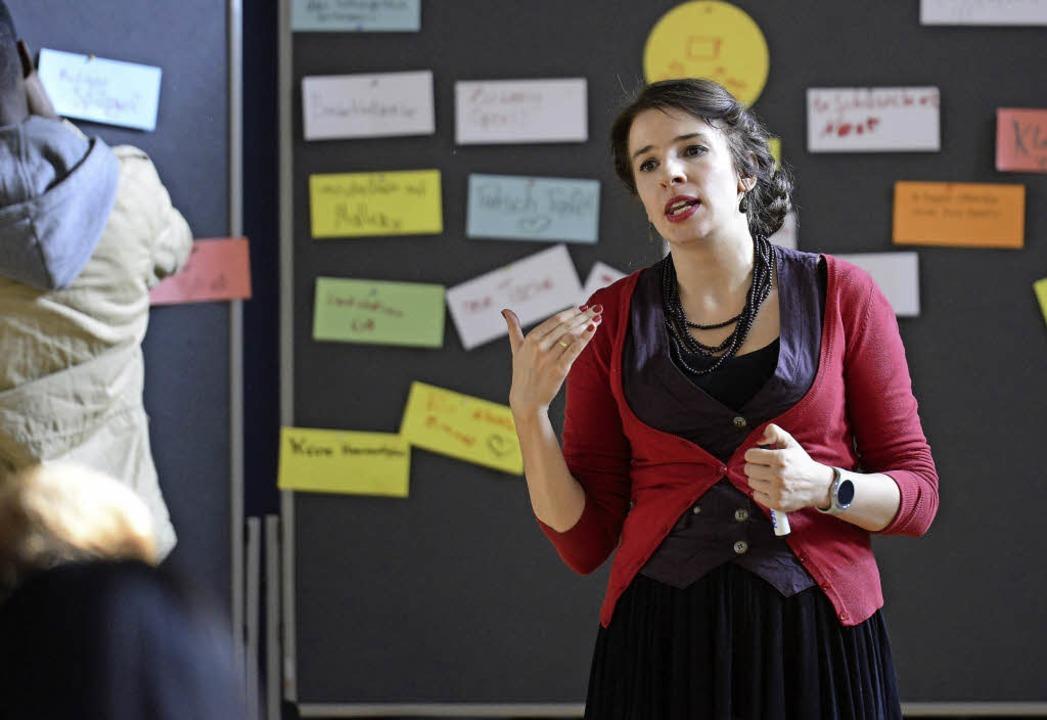 Marina Weisband fragt die Schüler nach ihren Ideen.   | Foto: Ingo Schneider