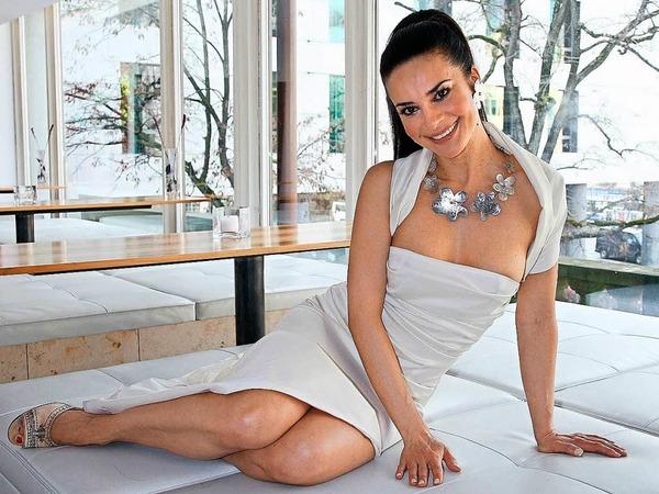 Gitta Saxx. 1989 wählten Playboy-Leser sie zum Playmate des Jahres, 2000 kam's noch besser: Wahl zum Playmate des Jahrhunderts. Und warum? Weil sie in ihrer Kindheit badische Luft einatmete, daheim im Regierungsbezirk Südbaden, in Schramberg.
