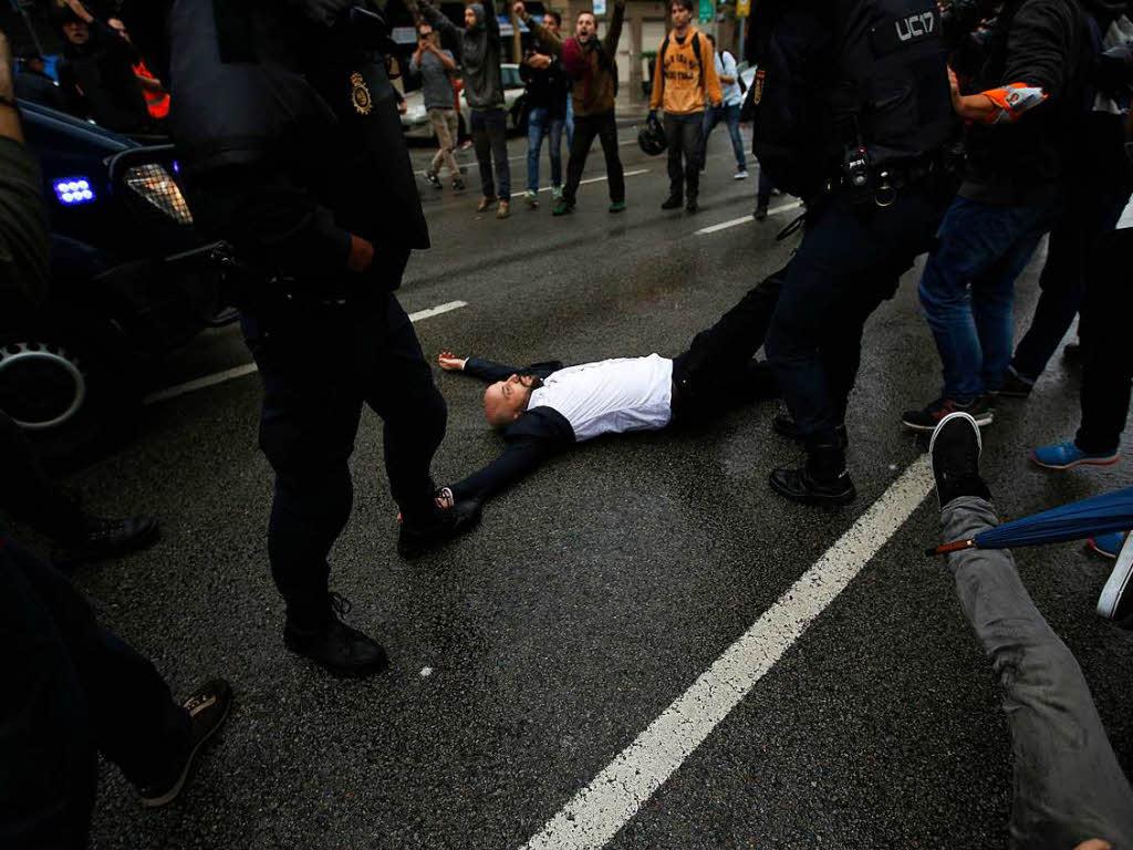Mehr als 300 Verletzte bei Abstimmung in Katalonien