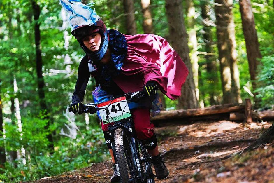 Mountainbiker im Freiburger Wald. (Foto: Miroslav Dakov)
