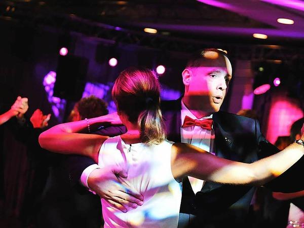 Tanzen und Kontakte knüpfen