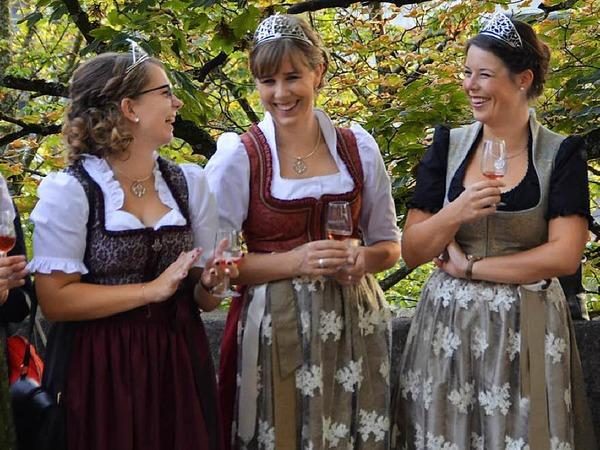 Diese Hoheiten scheinen sich gut zu verstehen (von links): Elena Batzler (neue Ortenauer Weinprinzessin), Vorgängerin Hanna Mußler, die Badische Weinprinzessin Katharina Kammerer, die Badische Weinkönigin Franziska Aatz und Kim-Lucy Rutz (Badische Weinprinzessin).