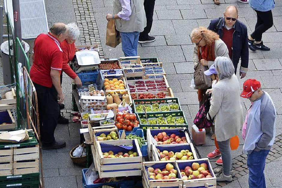 Sehr populär: der sonntägliche Bauernmarkt (Foto: hrö)