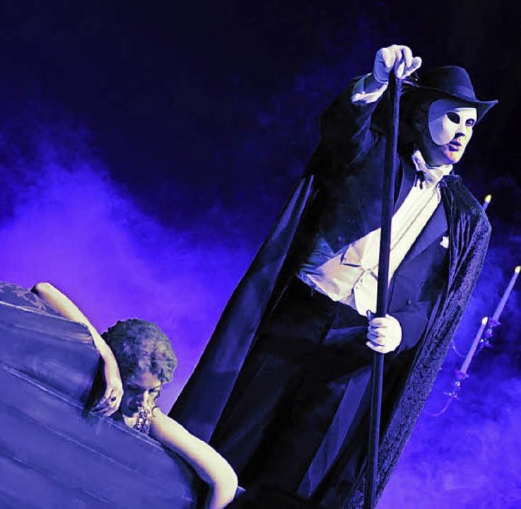 Das Phantom entführt Christine in die Tiefe  | Foto: ASA EVEnt GMBH