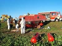 Lastwagen fährt auf Wohnmobil auf – zwei Verletzte