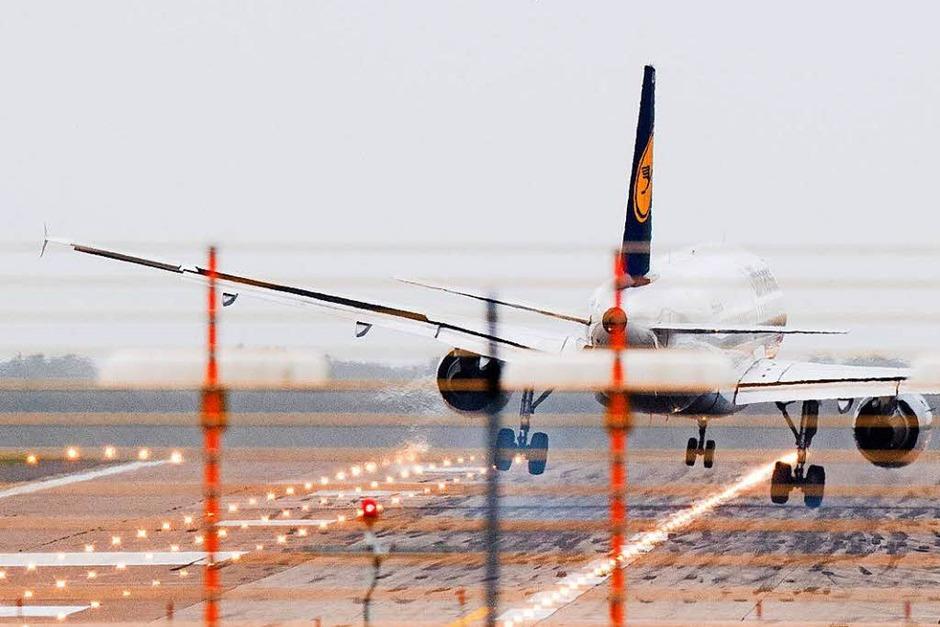 Am Flughafen in Hannover merken die Piloten die Sturmböen besonders. (Foto: dpa)