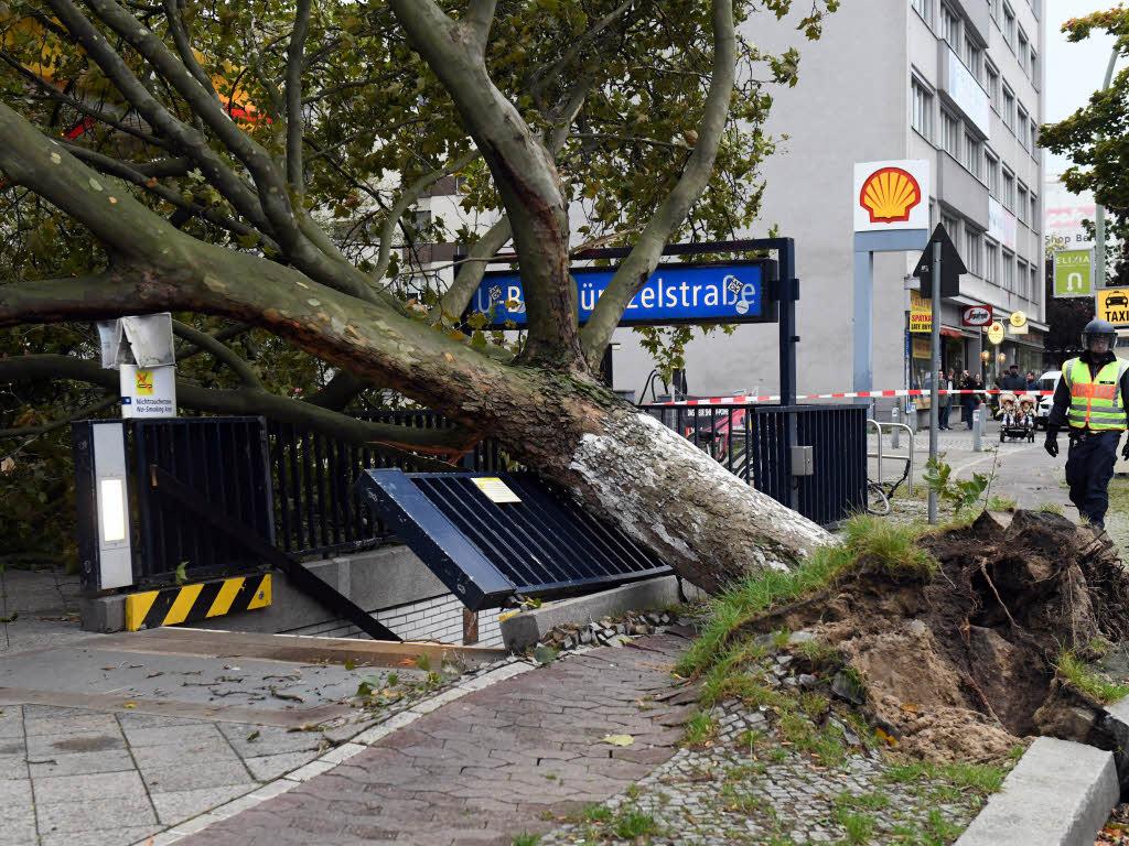 Bahn stellt wegen Sturms auch Zugverkehr nach Berlin ein