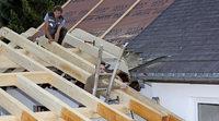 Das Dach ist aufgerichtet