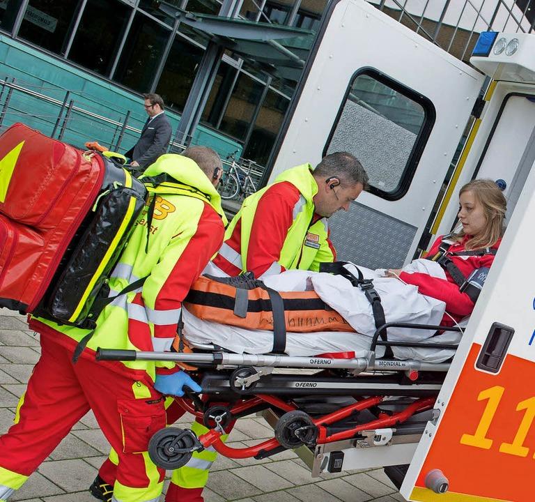 Rettungsdienst im Einsatz   | Foto: dpa