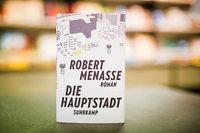 Robert Menasse ist im neuen Roman reichlich ironisch