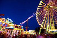 Schausteller und Marktleute beginnen mit Aufbau der Herbstmesse