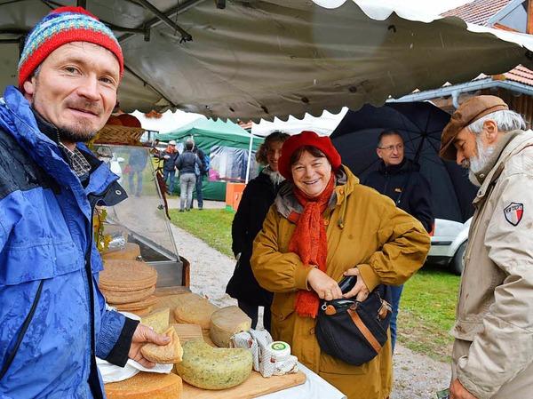 Eine große Vielfalt regionaler Produkte aus Landwirtschaft und Kunsthandwerk bot der Erntemarkt beim Klausenhof.