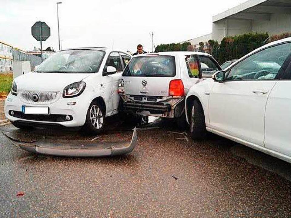 Der Unfall hat vier Verletzte gefordert.  | Foto: Polizei