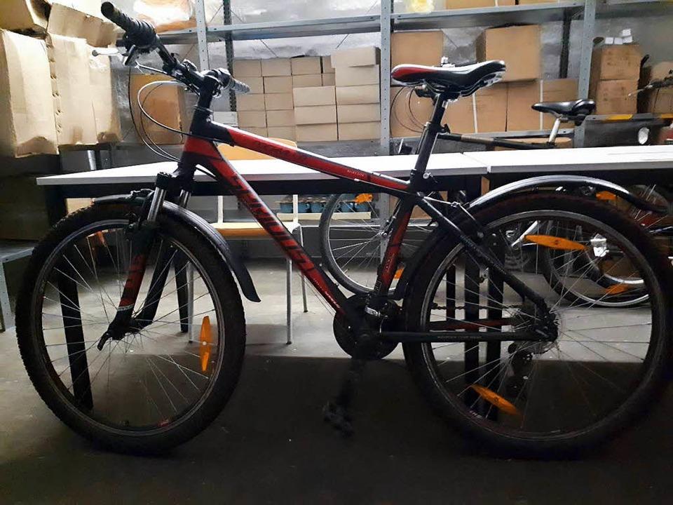 Die Polizei sucht den Besitzer dieses gestohlenen Fahrrads.  | Foto: Polizei