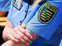 Polizisten sollen dezente Tätowierungen zeigen dürfen