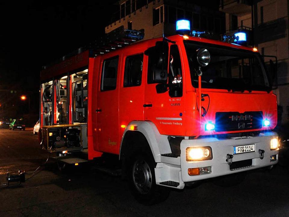 Die Feuerwehr Köndringen kam mit drei ...n und 18 Mann zum Brand (Symboldbild).  | Foto: dpa