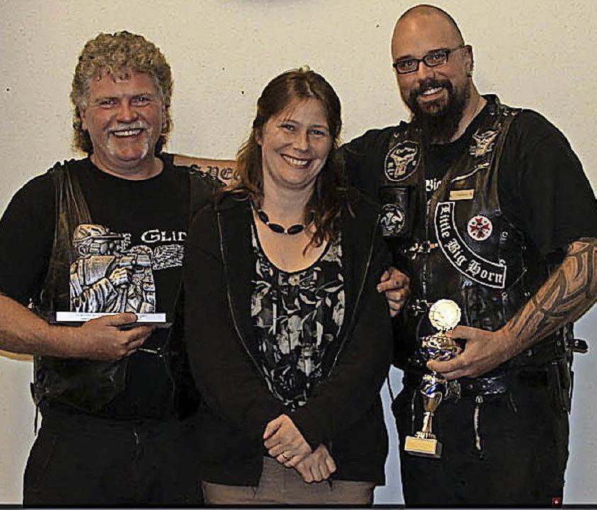 Die Sieger des Grümpelschießens der Sc...atz) und Dennis Rattasepp (2. Platz).     Foto: Paul Schleer
