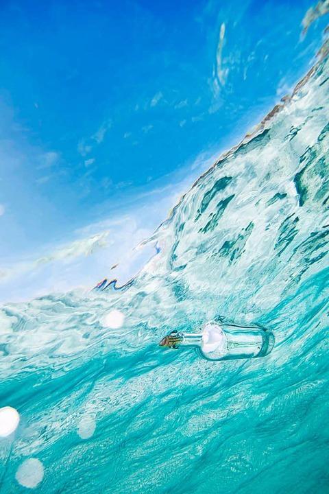 Wiederfinden macht immer Freude – nicht nur bei der Flaschenpost.  | Foto: photocase.de/manun
