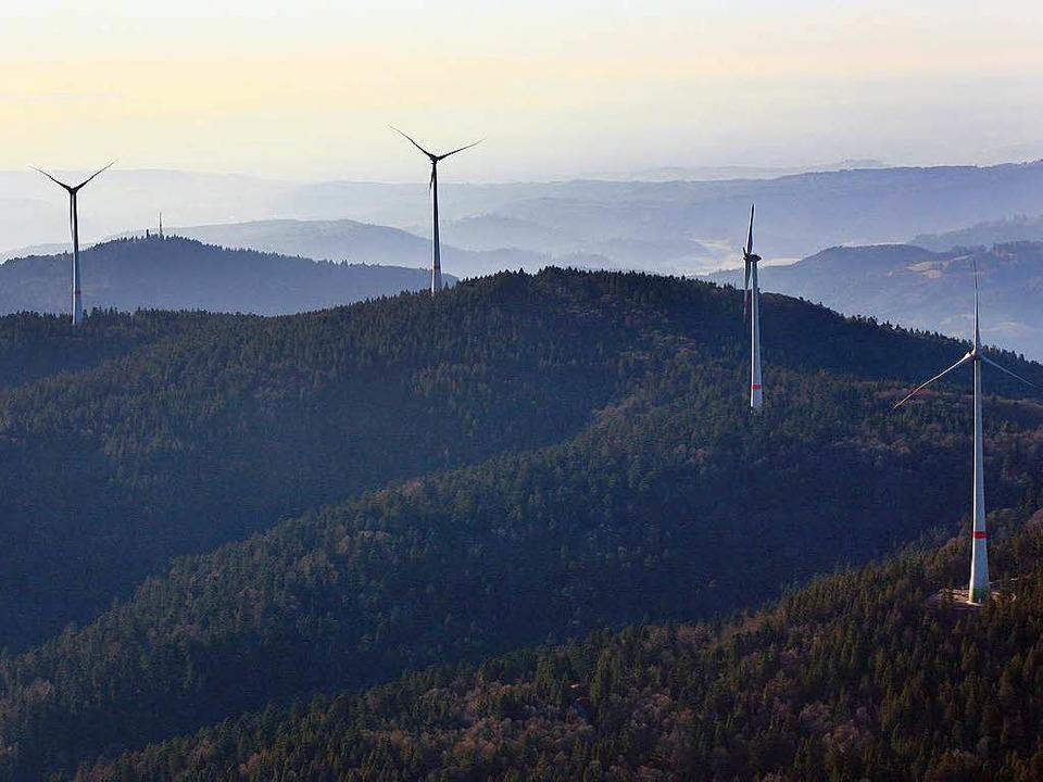 Unweit der neuen Windräder am Rohrenko...Investoren neun weitere gebaut werden.  | Foto: Erich Meyer