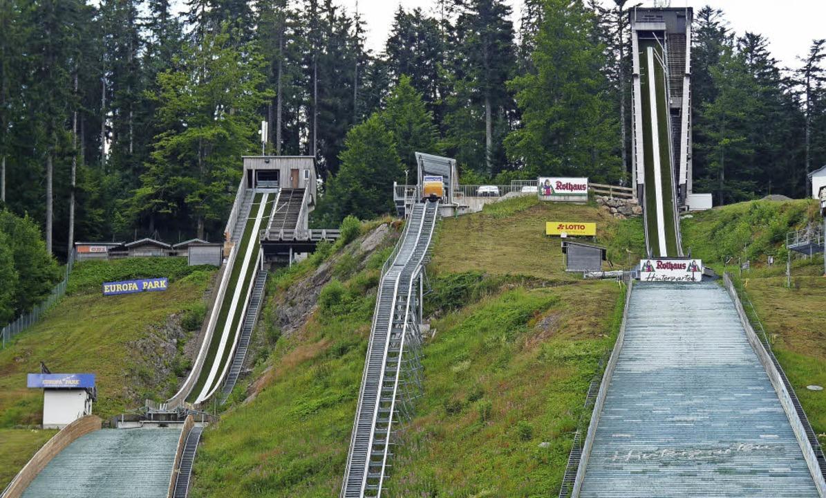 Auf der Europaparkschanze (links) in H...uslauf der K 30 auf Scheiben zielen.    | Foto: bachmann